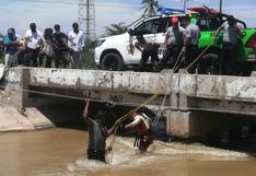 Piura: vehículo de médico cayó a aguas del canal de regadío Biaggio Arbulu
