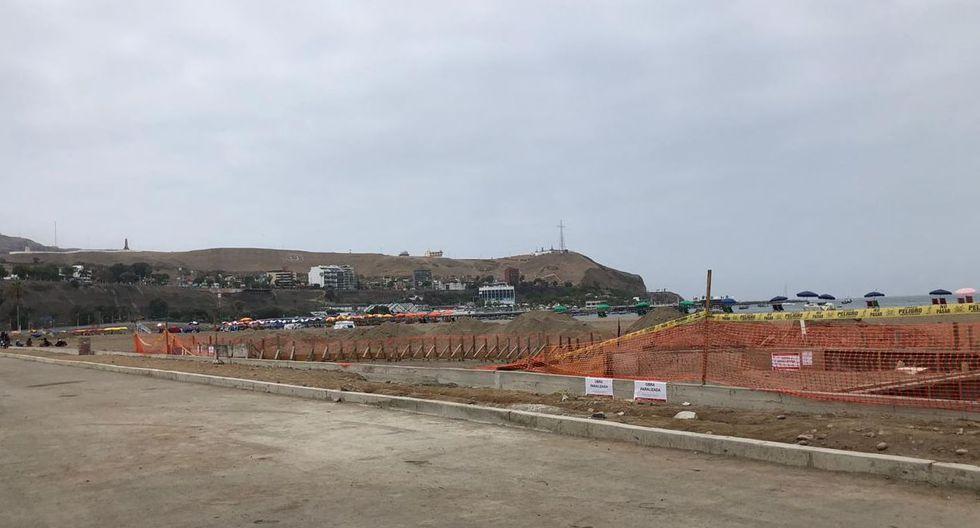 En esta zona se construirían duchas, gimnasio y juego para niños para los 8 mil bañistas que acuden a la playa de Agua Dulce, según indicó el municipio de Chorrillos. (Foto: El Comercio)