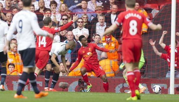 El 'blooper' de la Premier: un gol de taco ¡en propia puerta!