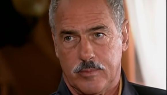 """Andrés García interpretando a Pedro José Donoso en la telenovela estadounidense """"El cuerpo del deseo"""". (Foto: Telemundo)"""