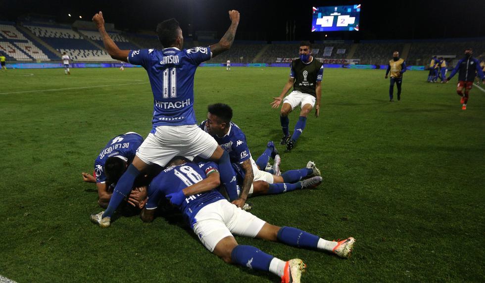 Universidad Católica vs. Vélez: las imágenes del duelo en el estadio San Carlos de Apoquindo   Foto: EFE