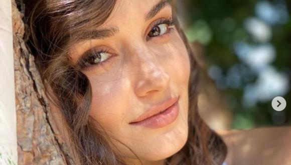 La actriz mantuvo un romance durante tres años con el cantante Murat Dalkılıç, pero tras terminar esta relación no se le conocía pareja (Foto: Hande Erçel / Instagram)