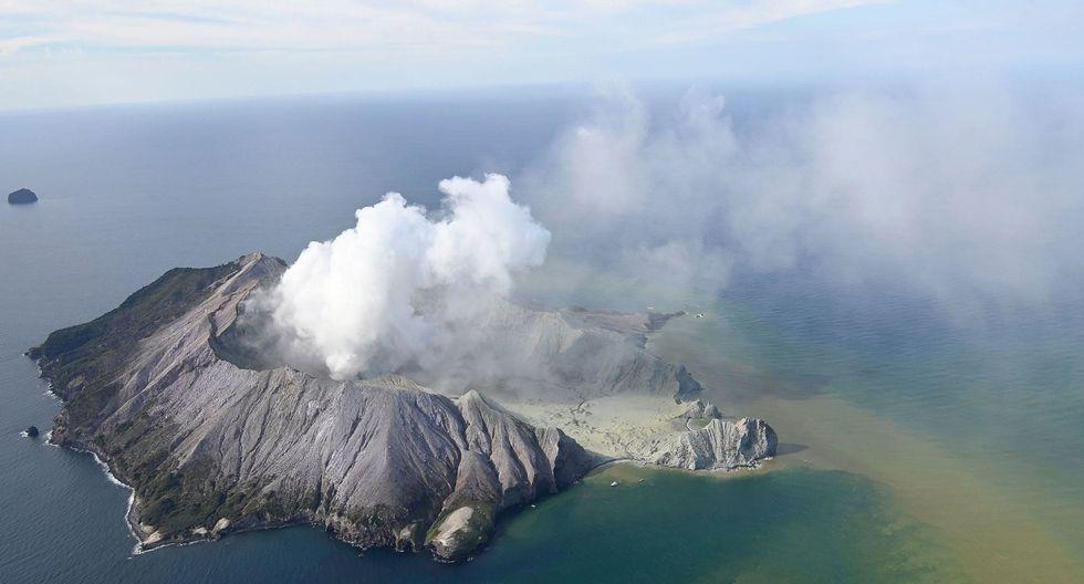 La policía no halla signos de sobrevivientes en isla de Nueva Zelanda tras erupción volcánica