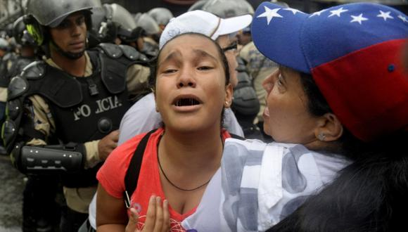 """""""SOS pañales"""", la agridulce espera de ser madre en Venezuela"""