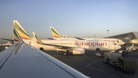Por segunda vez en menos de seis meses, un Boeing 737 MAX se estrelló minutos después de despegar dejando 157 muertos en Etiopía y 189 en Indonesia. (Referencial AP)