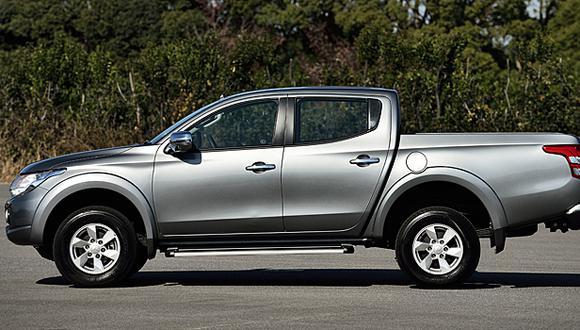 Llaman a revisión a más de 12 mil vehículos Mitsubishi L200