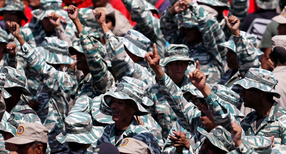 """El presidente de Venezuela, Nicolás Mduro, reapareció en una plaza pública frente a miles de simpatizantes que se reunieron para celebrar los 20 años de la """"Revolución Bolivariana"""". (Reuters)"""