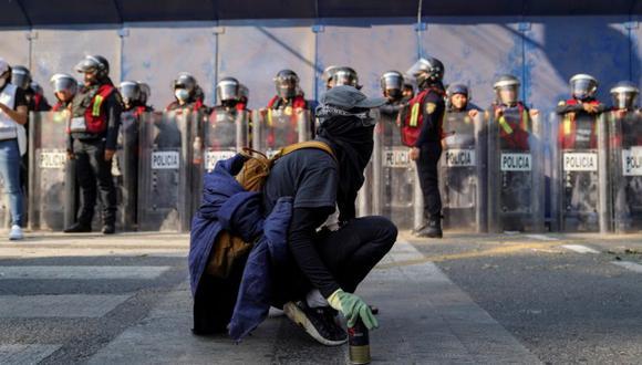 Una integrante de un colectivo feminista participa en una protesta contra la violencia de género y policial, en la Ciudad de México. (Foto: Archivo / REUTERS / Toya Sarno Jordan).