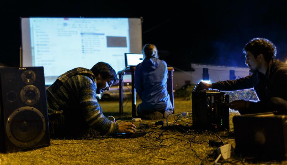 El Festival de Sachapuyu está a cargo del colectivo SEQES, un grupo de artistas sudamericanos que gestionan activaciones culturales, como festivales, talleres, residencias, intercambios y voluntariados en Perú y el extranjero. Foto: SEQES.