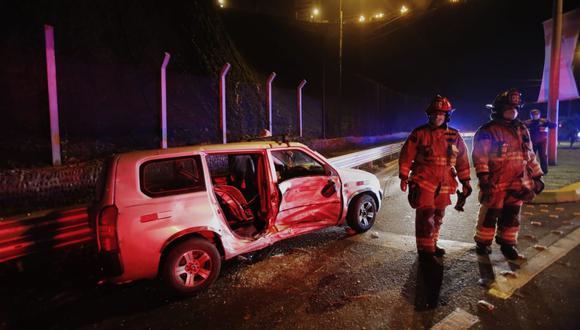 Costa Verde: choque entre minivan y taxi dejó una pasajera herida en Miraflores. Foto: César Grados/@photo.gec