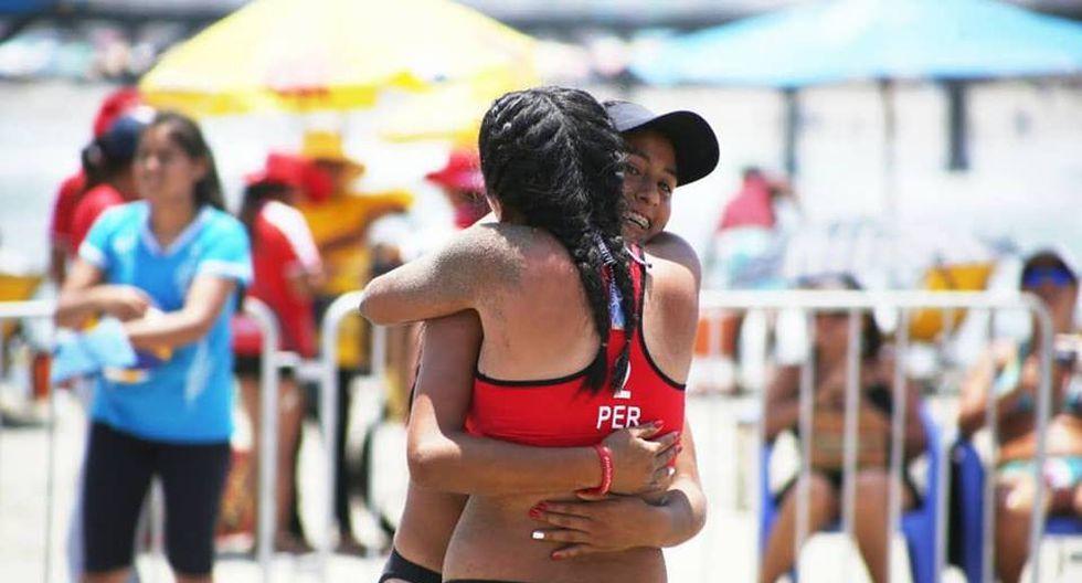 Binomio peruano formado por Lisbeth Allca y Alexandra Mendoza logró clasificar al Mundial Sub 21 de vóley playa. (Foto: FPV)