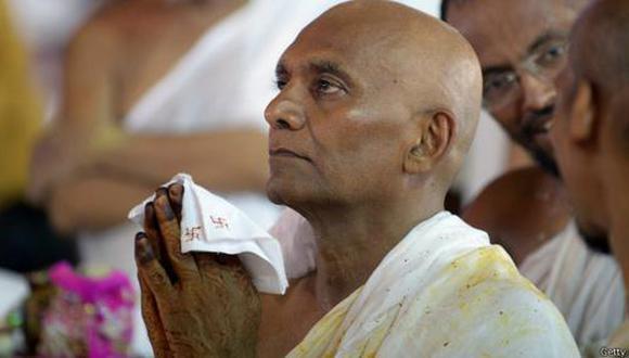 El multimillonario indio que lo dejó todo para hacerse monje