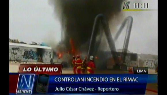 Rímac: dos buses abandonados se incendiaron en Flor de Amancaes
