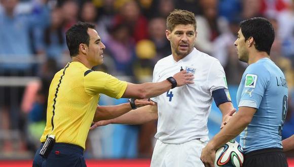 """Gerrard sobre Suárez: """"Pensé que se quedaría un año más"""""""