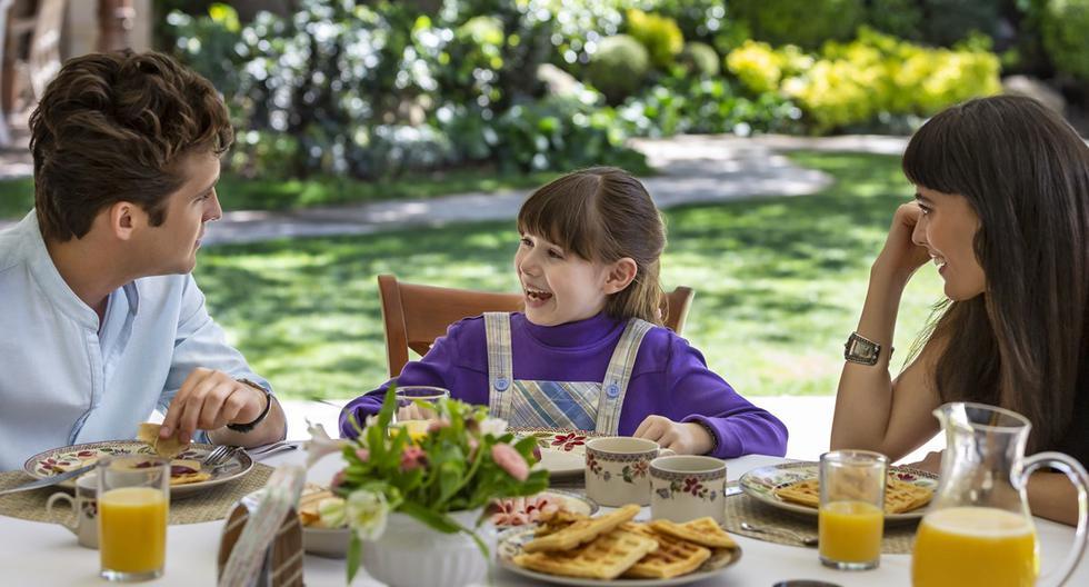 """La relación de Luis Miguel y su hija Michelle cobra más protagonismo en """"Suave"""", el tercer capítulo de la segunda temporada de """"Luis Miguel, la serie"""". La trama aborda cómo el cantante, pese a que públicamente no reconocía a la niña, era muy cercano a ella. (Foto: Netflix)"""
