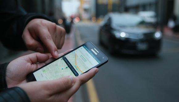 Los taxis solicitados a través de aplicativos se han convertido en uno de los servicios más usados en la capital. (El Comercio)