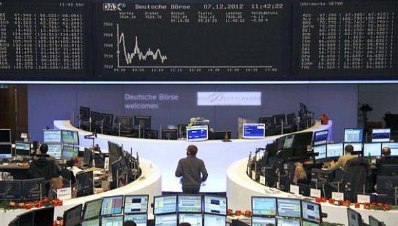 Al iniciarse las operaciones, en Londres el FTSE-100 caía 0,61%, en París el CAC-40 perdía 0,09% y el Dax de Fráncfort cedía 0,04%.