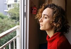 """""""Ausente"""", de Katerina D'Onofrio: la peculiaridad de actuar en una obra virtual hecha en casa"""
