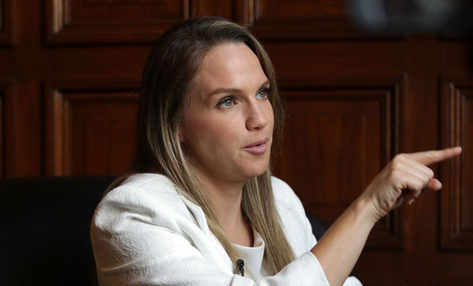 León empleó su cuenta de Twitter para señalar que la recomendación de la Comisión de Constitución ya fue cumplida por la Comisión de Inmunidad Parlamentaria. (Foto: Archivo El Comercio)