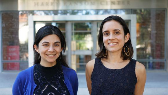 """Diana Díaz se ha especializado en conservación fotográfica, mientras que Jullianne Ballou es bibliotecaria de proyectos. """"La colección fue una prioridad para el Harry Ransom Center"""", explican las expertas. (Archivo personal)"""