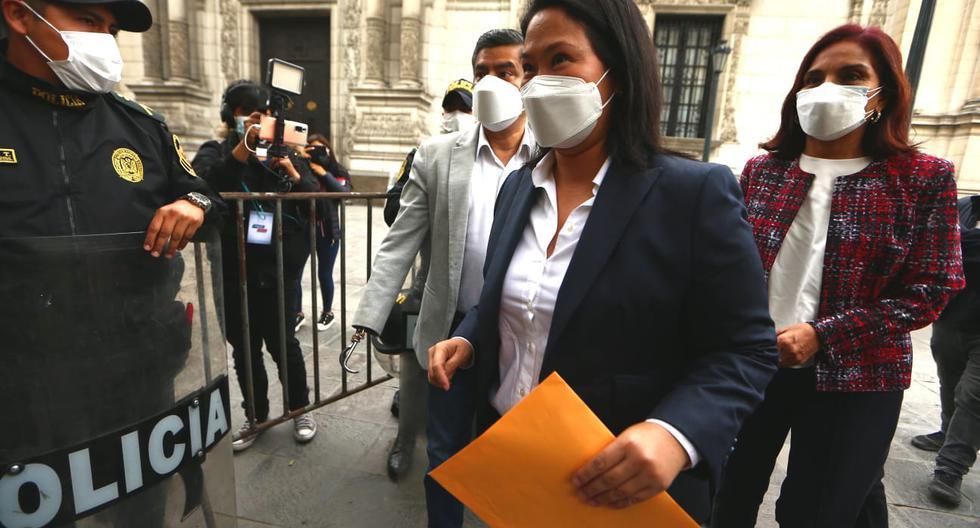 Keiko Fujimori ingresó su pedido a mesa de partes de Palacio de Gobierno. (Foto: Alessandro Currarino /GEC).