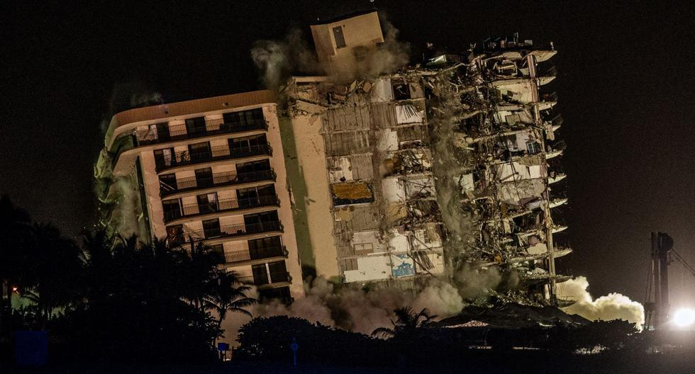 Video: They demolish the partially collapsed Miami building completely