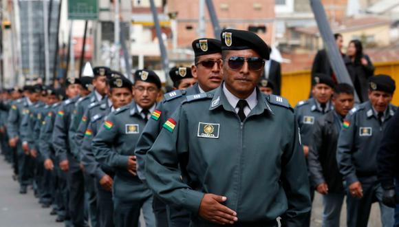 """Bolivia vive inédita huelga de soldados que reclaman """"igualdad"""""""