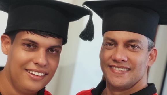 Con el objetivo de ayudar a su hijo con autismo, un padre se inscribió en la universidad. Los cursos le gustaron y ahora busca graduarse junto a él. (Foto: UOL Notícias)