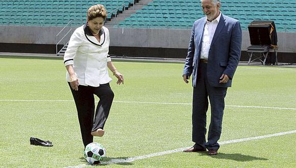 Dilma Rousseff reduce las horas laborales durante el Mundial