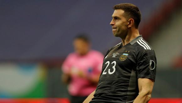 'Dibu' Martínez se disculpó con Yerry Mina tras la tanda de penales entre Argentina y Colombia (Foto: EFE)