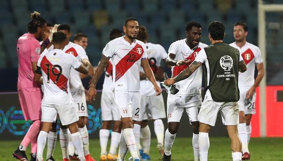 Callens y Ramos estuvieron sólidos en la defensa peruana. El zaguero de NY City debutó en partidos oficiales. (Foto: FPF)