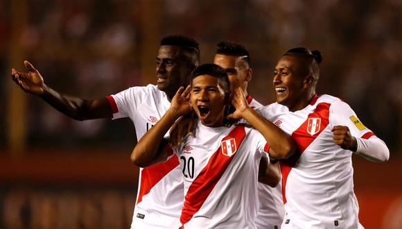 Volante Edison Flores valoró apoyo de público en el Monumental, pero considera que la selección peruana debe jugar en el Estadio Nacional. (Foto: Reuters)