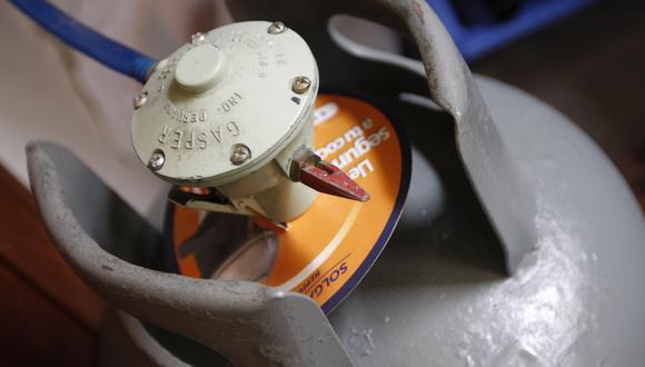 El balón de gas debió reducirse en S/ 11.17, pero se terminó vendiendo a S/ 27, señaló Opecu. (Foto: GEC)