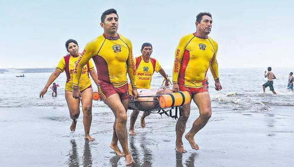En lo que va del verano, la mayoría de personas rescatadas en balnearios de la capital han sido hombres. (Mininter)