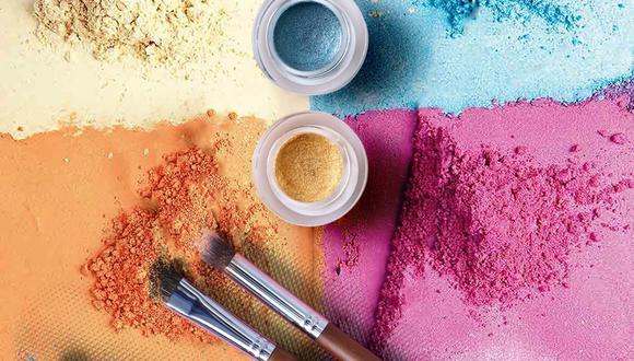 Aplicando remedios caseros es más sencillo decirle adiós a las manchas difíciles de maquillaje. (Foto: Pexels)