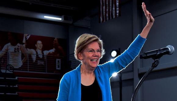 La senadora demócrata Elizabeth Warren ofrece un discurso electoral, este lunes en Des Moines, Iowa (Foto: EFE)