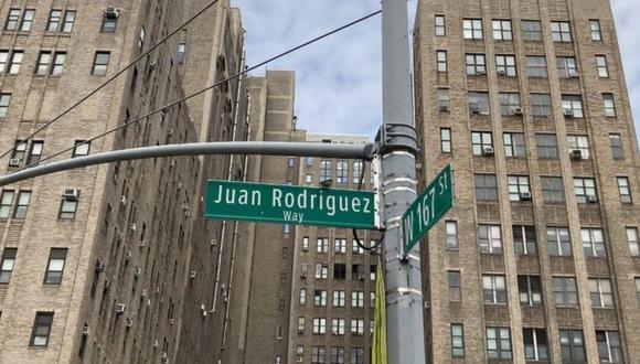 Un tramo de la avenida Broadway entre las calles 159 y 218 nombrado en homenaje a Juan Rodríguez. (BBC MUNDO)