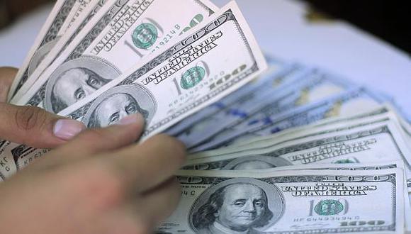En las casas de cambio, la venta del dólar alcanza los S/3.39. (Foto: GEC)