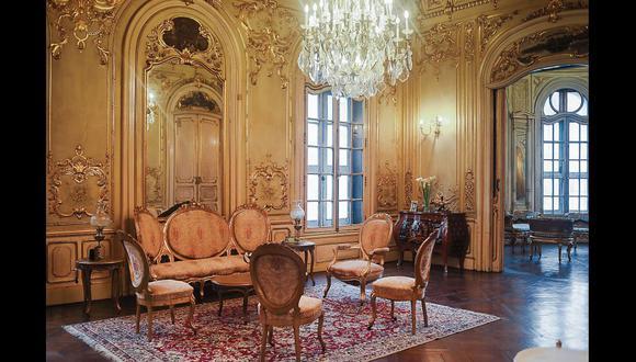 El salón dorado de la Casa Fernandini que fue construído en 1913. Ha estado bajo un proceso de restauración que duró dos años.