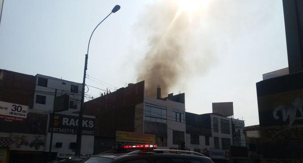 Incendio en Av. La Marina movilizó 15 unidades de bomberos - 2