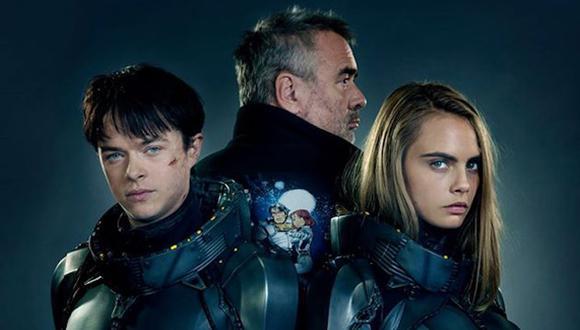 El director Luc Besson protege sus espaldas con los agentes especiales Valerian (Dane DeHaan) y Laurelina (Cara Delevingne), encargados de mantener el orden en todo el universo.