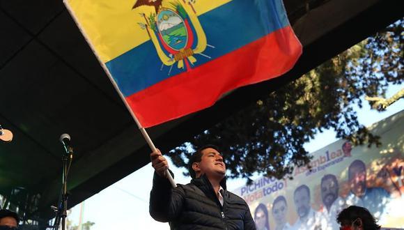 El candidato a la presidencia de Ecuador, Andrés Arauz, participa de un acto en la sede del partido Unión Por la Esperanza. (EFE/ José Jácome).