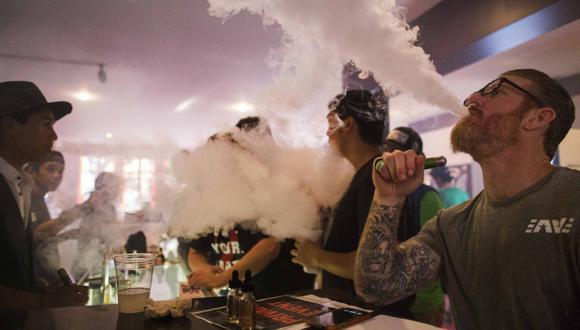 Durante años la industria tabacalera ha realizado diversas investigaciones para encontrar productos que reemplacen a los peligrosos cigarrillos. (Foto: Reuters)