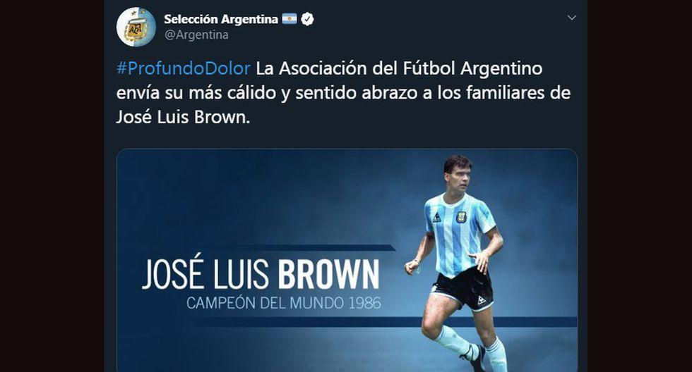 Los mensajes de despedida dedicados al 'Tata' José Luis Brown. (Foto: Captura)