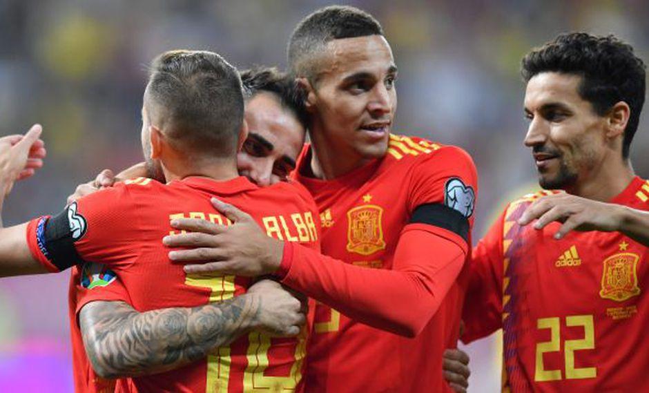 España vs. Rumanía: Sergio Ramos anotó el primer gol del partido. (Foto: AFP)