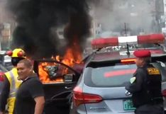 La Victoria: auto se incendió en plena avenida México   VIDEO