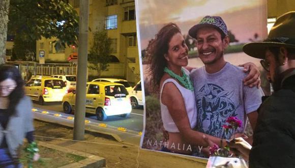 Amigos y familiares rindieron homenaje en el Park Way a Rodrigo Monsalve y Nathalia Jiménez. (Foto: Sebastian Ramírez, El Tiempo, GDA).