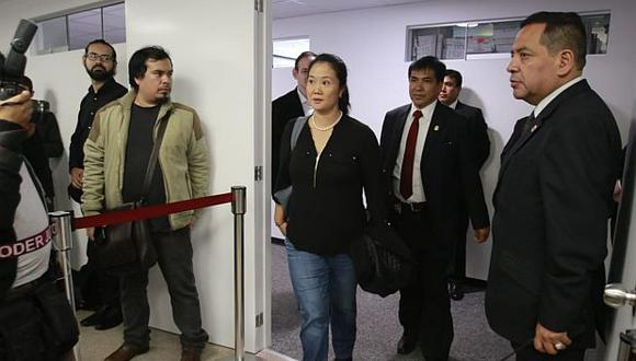 Keiko Fujimori se acercó a la Sala Penal Nacional donde se revisa el pedido de prisión preventiva en su contra. (Foto: Miguel Bellido/ Video: Canal N)