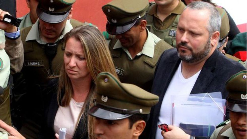 El hijo de la expresidenta Michelle Bachelet, Sebastián Dávalos (a la derecha), se vio involucrado en el Caso Caval. Foto: Getty images, vía BBC Mundo