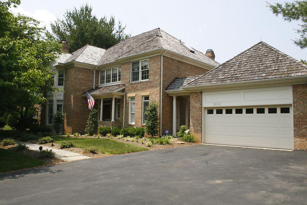Fachada de la casa de la calle Holly Leaf 8933 en la ciudad de Bethesda (Maryland) donde vivió el ex presidente Alejandro Toledo con su esposa.